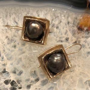 Silpada Sterling Freshwater Pearl Earrings.